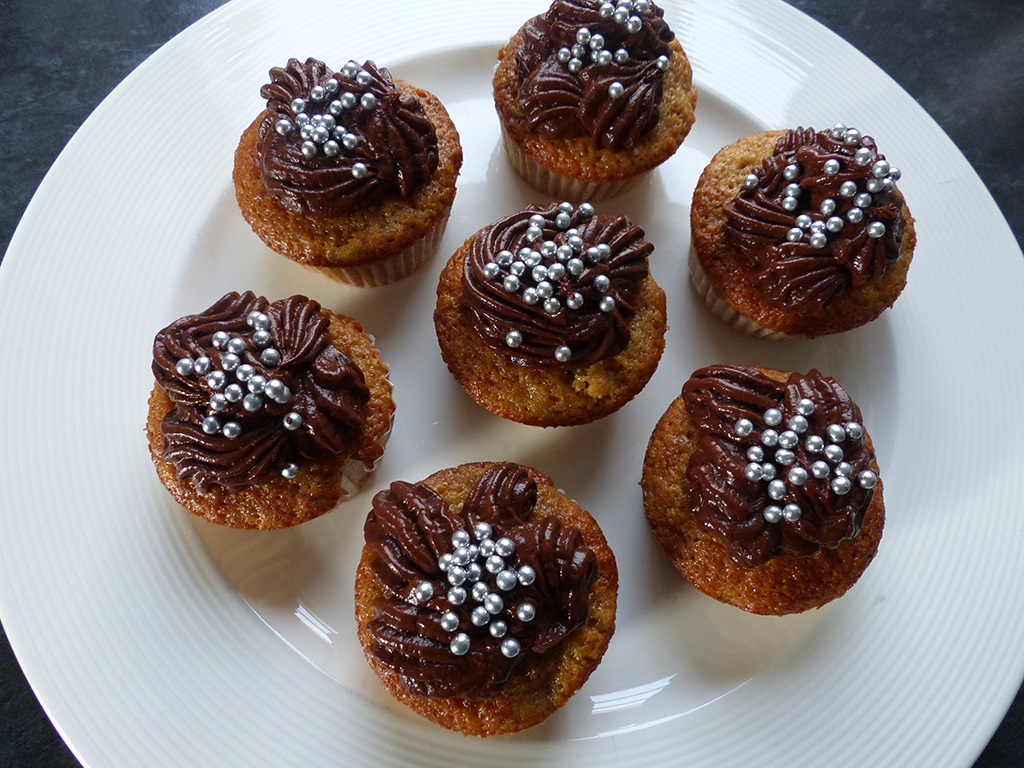 Banana Cupcakes with chocolate cream