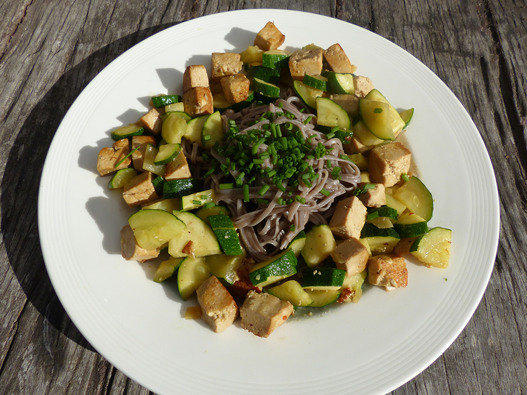 Tofu and Courgette stir fry