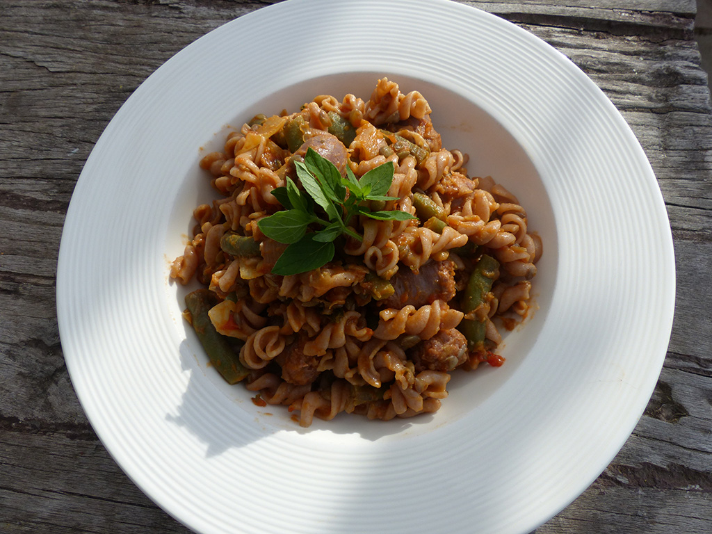 Pasta with lentils and sausages