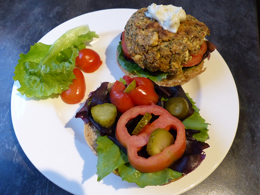 Vegetarian Burgers with Seaweed